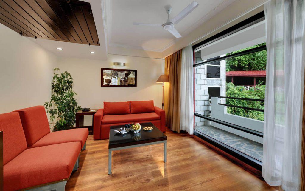 Luxury Suite Common Area