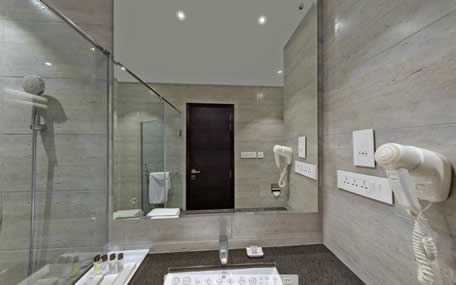 Luxury-Room-Bathroom