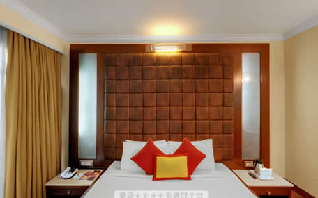 Luxury-Suite-BedRoom