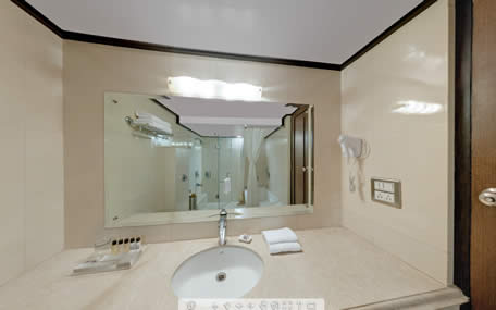 Luxury-suite-Bathroom